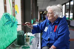 Volunteer Donna Swain