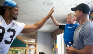 Surprise visit from Cleveland Browns players lifts patients' spirits