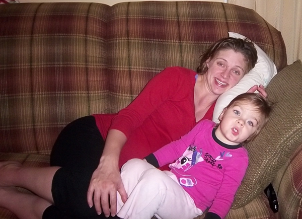 Sarah and Bekah hanging out on the couch