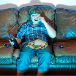 eating-couch-snack