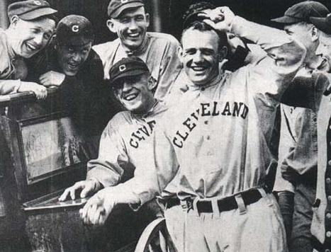 Ray_Chapman, 1916.  Photo By TheDeadballEra.com via Wikimedia Commons