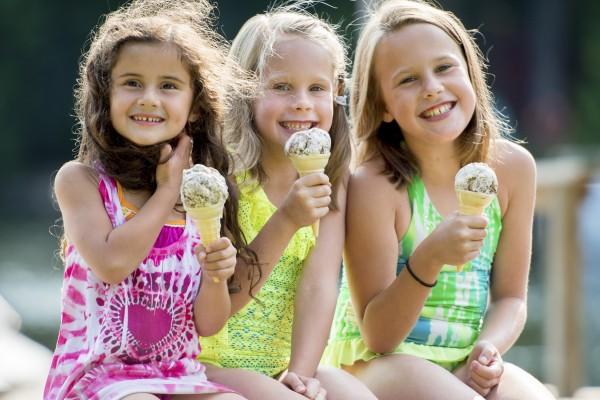 3 Young Girls Ice Cream Cones Summer