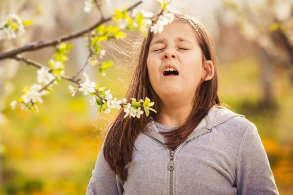 How to Deal with your Child's Springtime Allergies